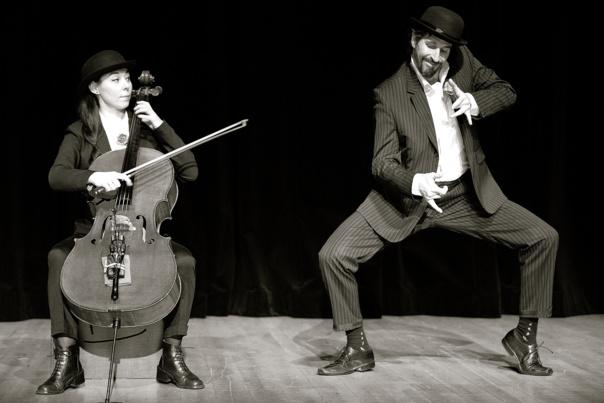 Chapeau M. Satie ! spectacle musical -  dès 3 ans  - 35 mn -  COMPAGNIE LE VER À SOIE